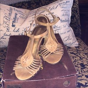 Seychelles strappy heel